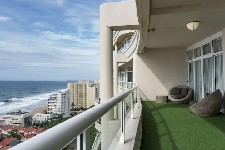 1001 Oyster Rock - Luxury Penthouse