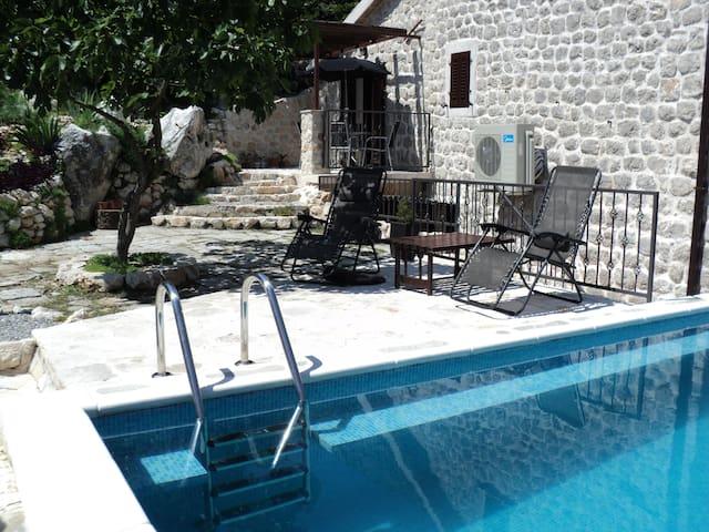Villa Mir - Orahovac - Villa