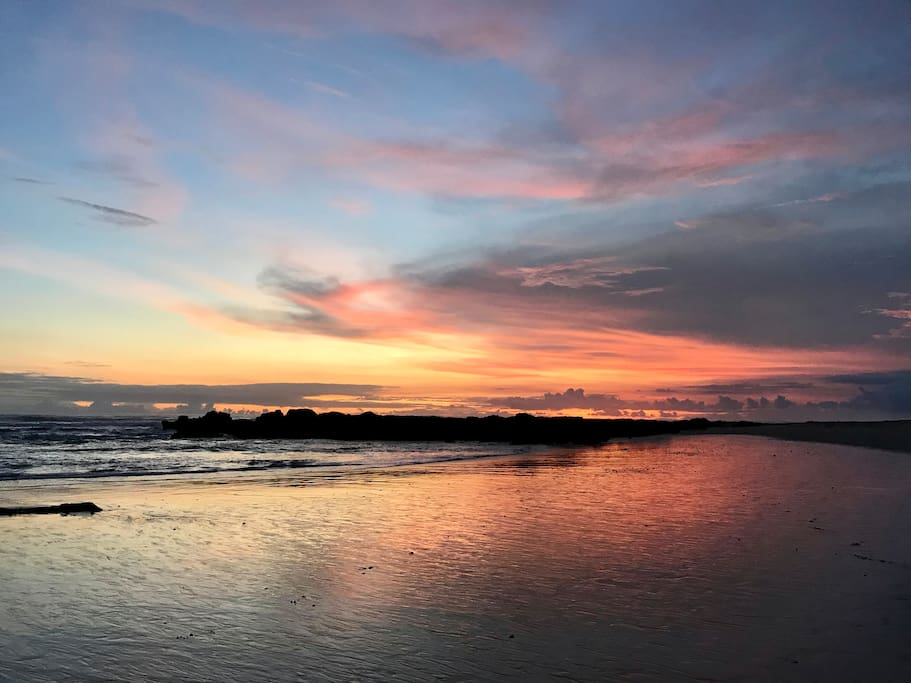 One of the attractions of Playa Santa Teresa, photographing the sunsets