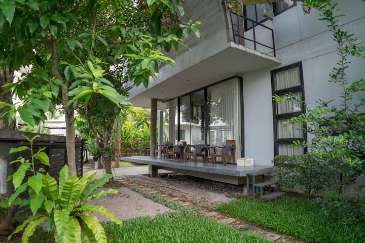 BEST LOCATED HOUSE in Nimman with Rooftop & Garden