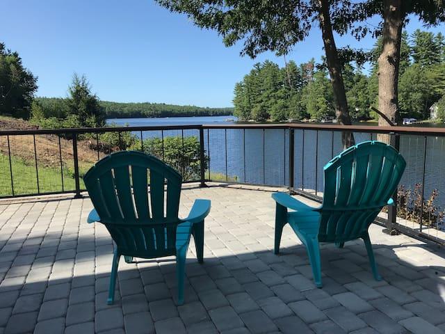 Sunny Lakefront Home - 4 Season
