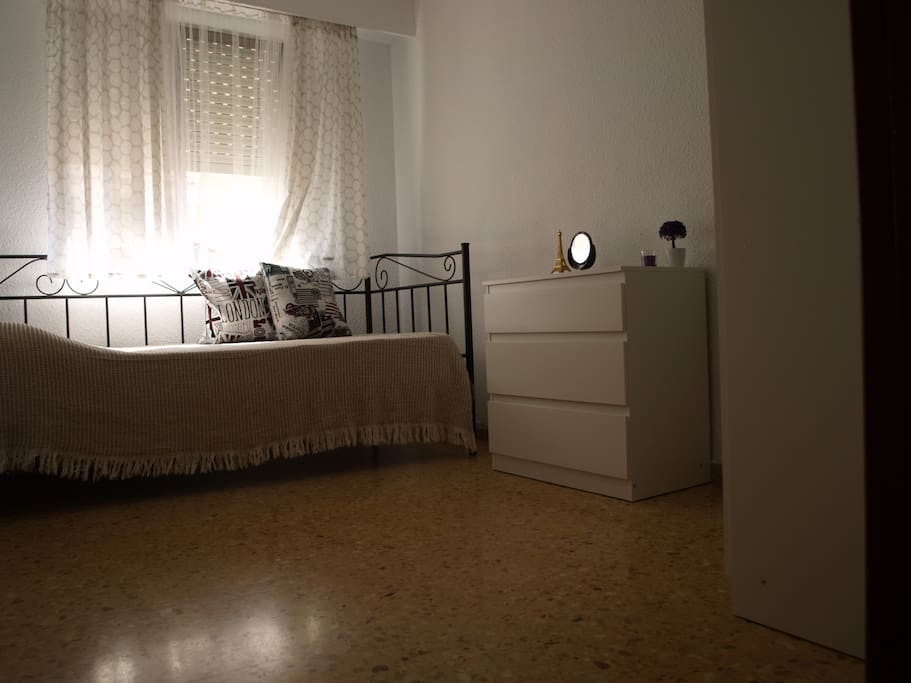 Charming Single Room Apartments For Rent In Val Ncia Comunidad Valenciana Spain