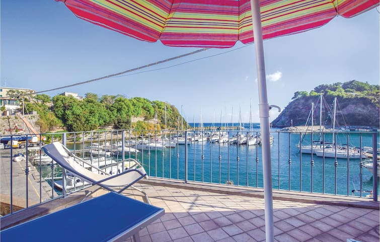 Holiday apartment with 1 room on 30m² in Procida -NA-