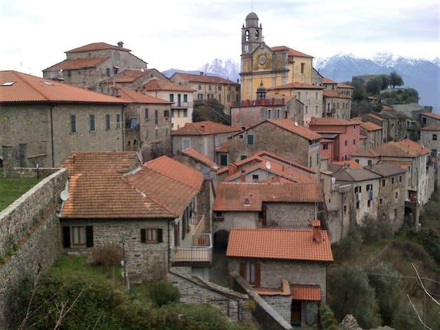 Haus im historischen Zentrum Mulazzo's / Toskana
