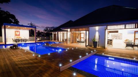 Vanuatu Luxury Emae Pool Suite @treesandfishes