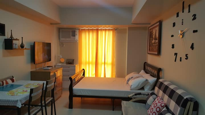 Affordable Condo inside IT PARK(FAST WIFI)