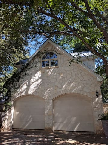 Detached Luxury Guesthouse (ACL, SXSW, F1) - Austin - House