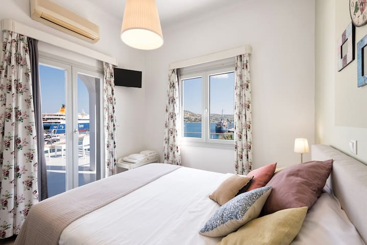 Hotel Oasis - Room with Sea View 1