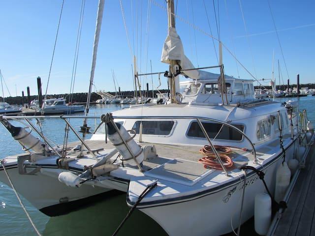 Asterix Catamaran de 9 m