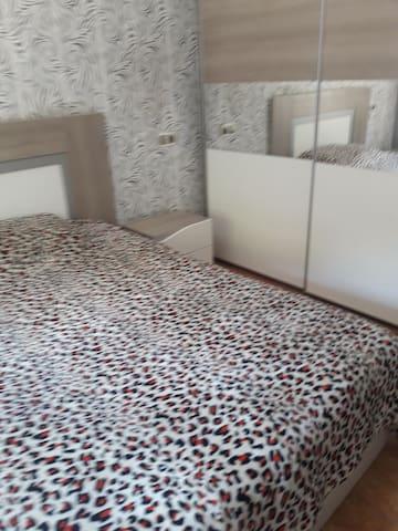 Habitacion individual precio 35 e cama matrimonial