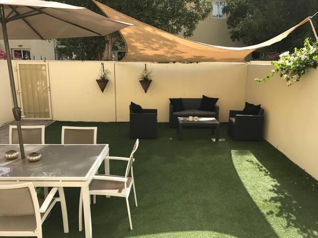Relaxing 2 bed villa with private garden @ Springs - Dubai - Villa