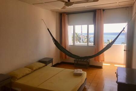 habitacion, frente al mar centro historico 408
