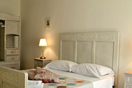 Your Room with Canal view in Venice - Venecia