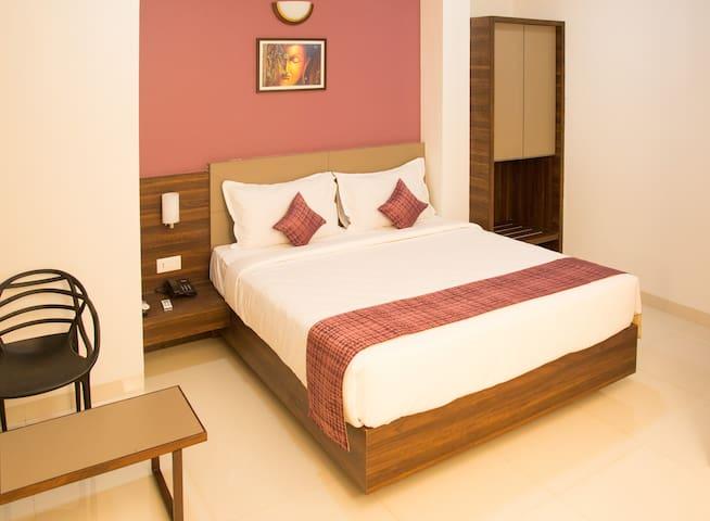Boutique hotel stay near Alibag Beach n town