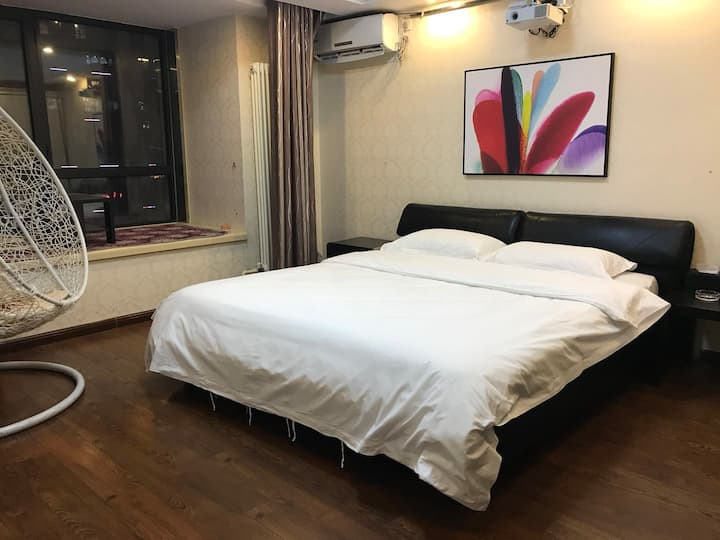 安阳万达广场SOHO公寓超享影视大床房