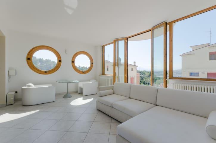 Вилла с видом на море и горы - Pescara - Villa