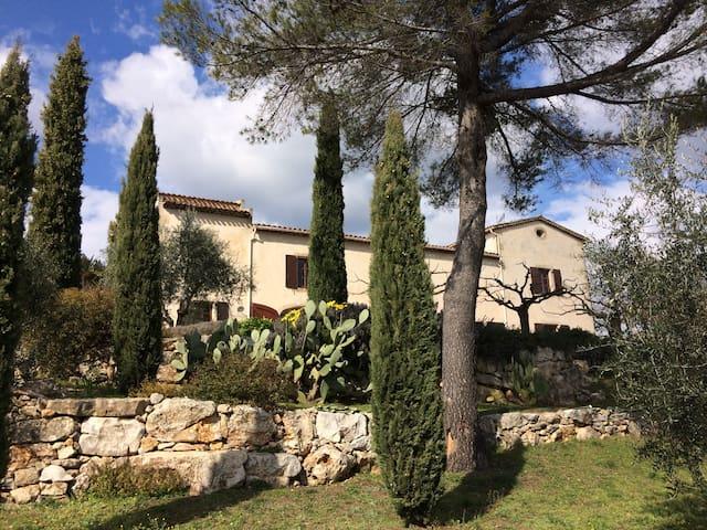 Stunning farmhouse in Provence - Saint-Cézaire-sur-Siagne - วิลล่า