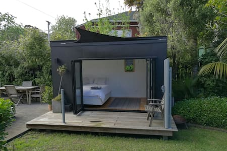Kowhai Garden Studio Grey Lynn - Own bathroom