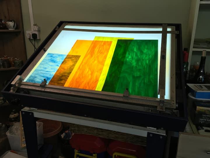 Selecting glass using llight box