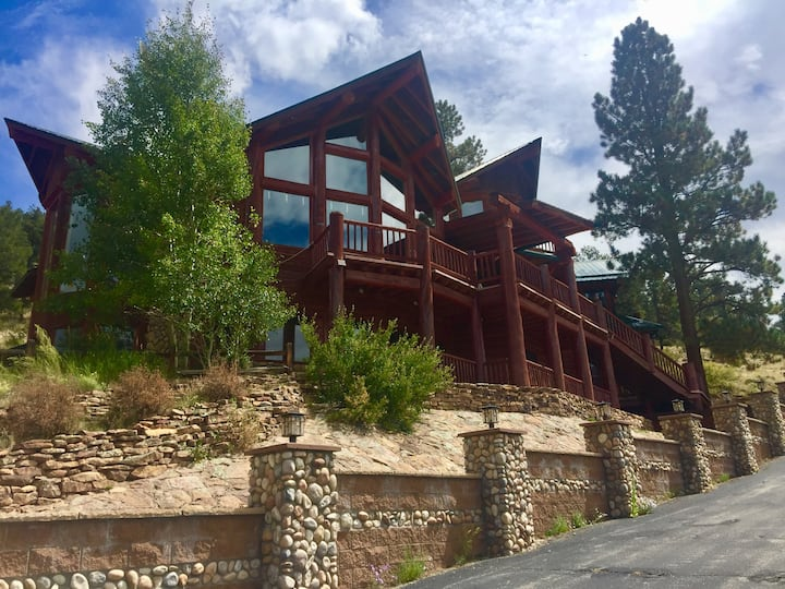 SKYHOUSE with spectacular Continental Divide Views
