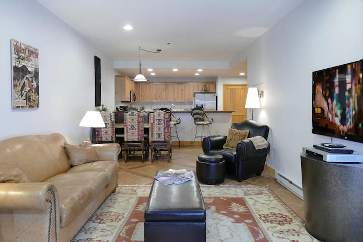Bear Creek Lodge 2 bedroom Condo-Summer Getaway!