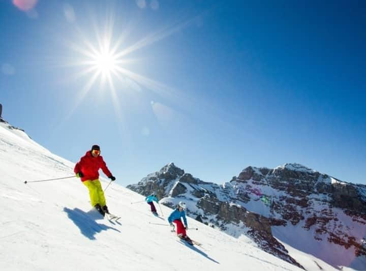 Spring Skiing Studio Suite (Sleeps 2)
