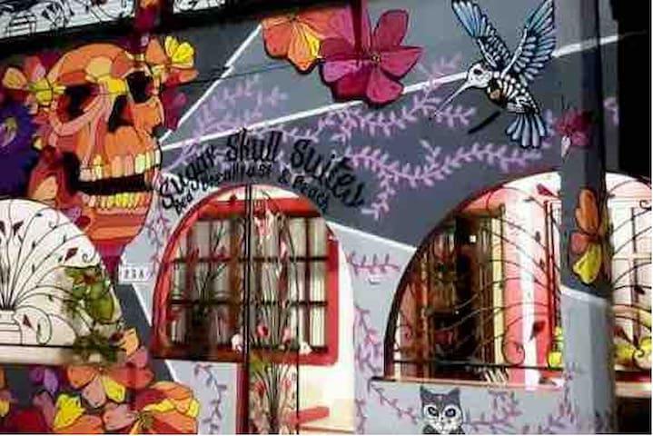 Sugar Skull Suites4/Pool/Centro/Breakfast/Location