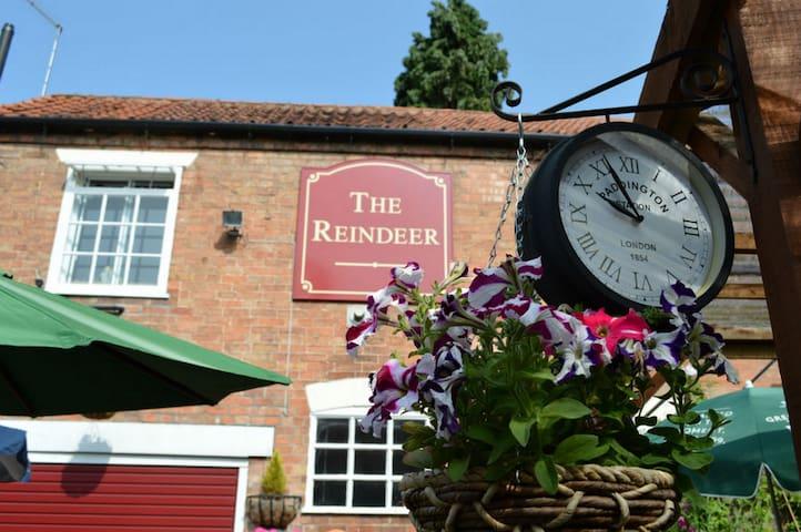 The Reindeer Inn, Southwell - Southwell - Bed & Breakfast