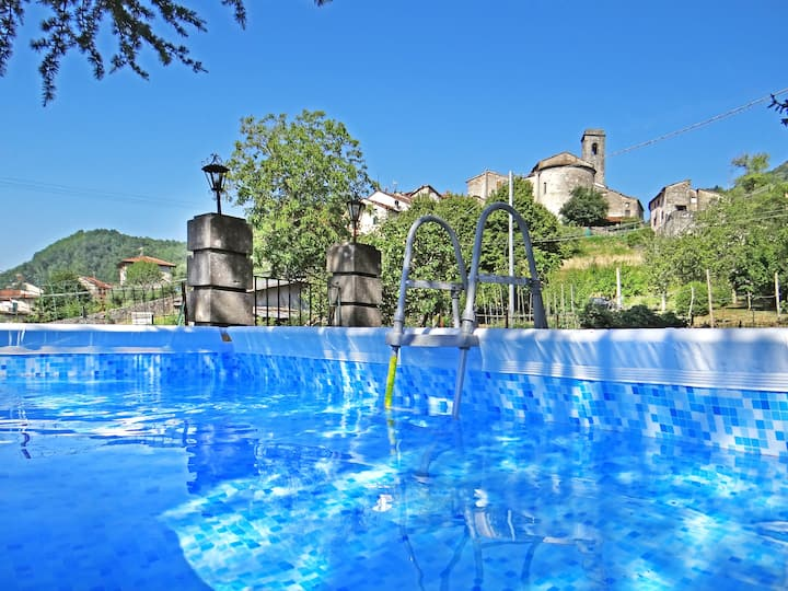 Gill's Secret Garden, Luxury Tuscan Villa, Pool