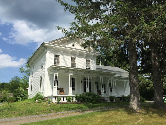 Beautiful 19th century country house nr Hudson, NY - South Cairo - 獨棟