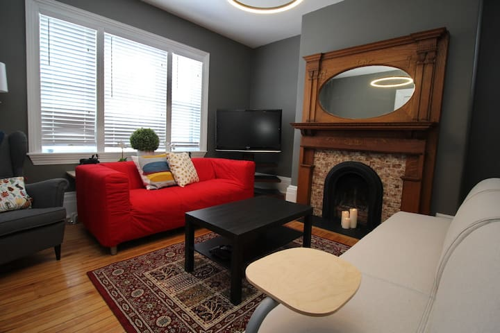 Charming Condo in Downtown Halifax with Parking