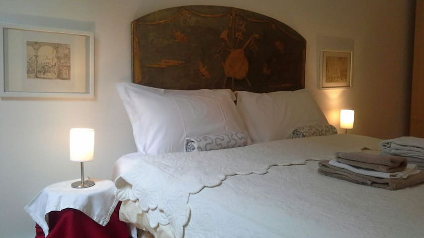 LUXURY ROOM IN VENICE ON CANAL DEL MEGIO - Venècia - Casa