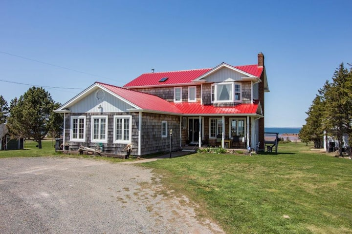Point Prim  - Red Roof Retreat