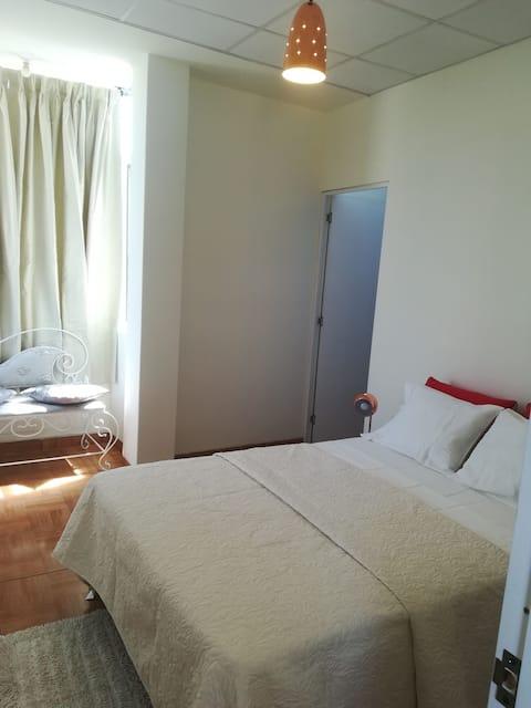Habitación privada, linda, segura, económica