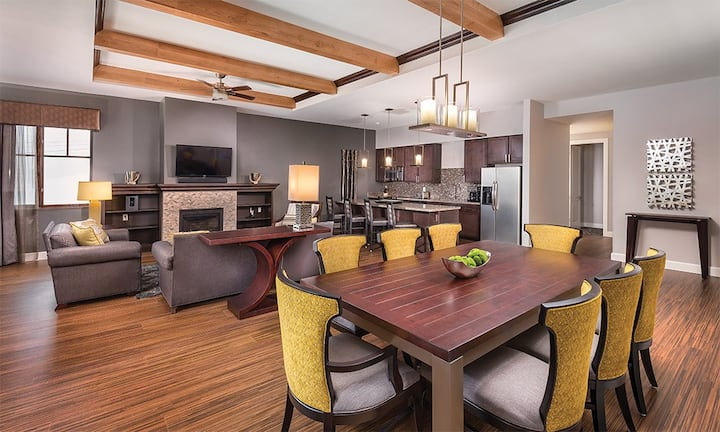 ★★SPACIOUS 2 BEDROOM PRESIDENTIAL SUITE★★ Accommodates up to 8 Guests Comfortably ★ So many Awesome Amenities at Wyndham Park City Resort ★