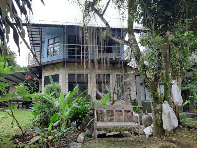 Aman Dusun Farm Retreat The Blue House