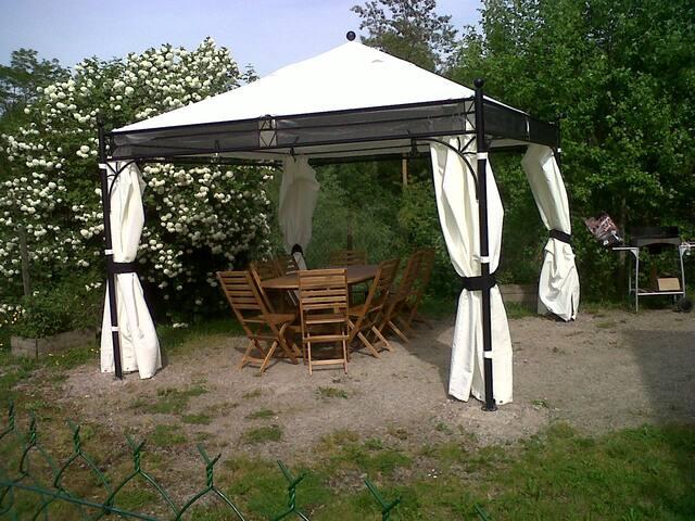 Maison agréable et fonctionnelle avec jardin - Bransat - Naturhytte