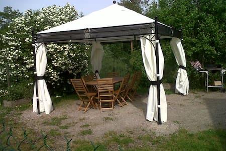 Maison agréable et fonctionnelle avec jardin - Bransat - Natur-Lodge