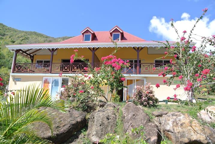 TI COCO  T3 Classé 2** Vue sur la baie des saintes - Grand Anse