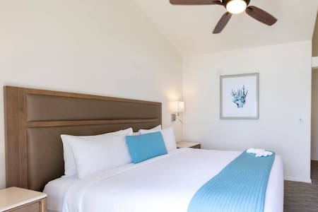 Wave Crest on the Beach in Del Mar - 2BR