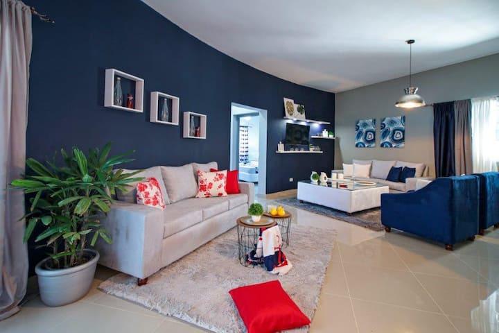 Apt 3BDR/3CH, new, modern, 145 m²/1,560 sqft