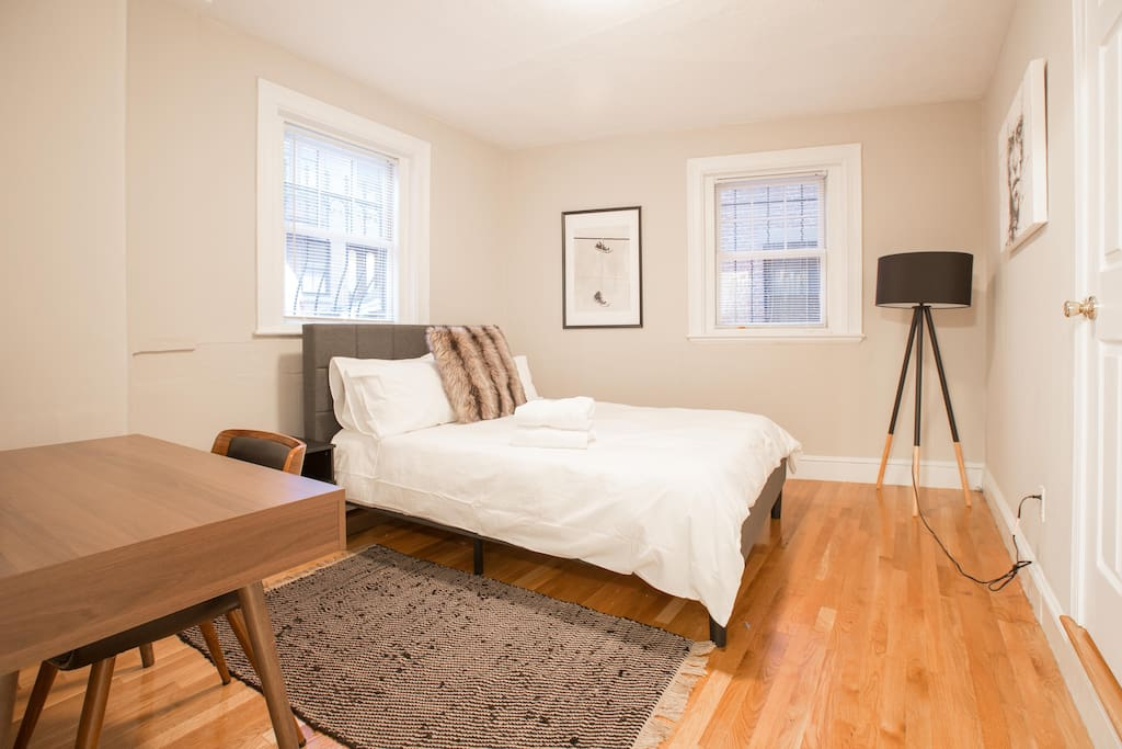 Huge master bed room with desk and private bathroom