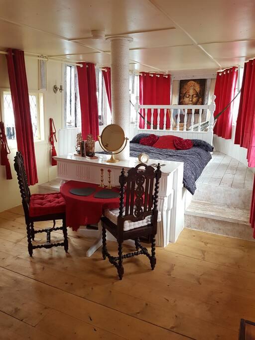 1º Bedroom