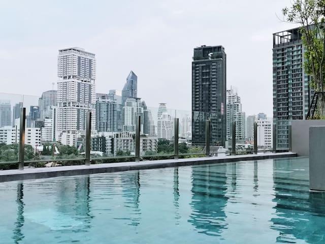 [City ONE] 300米至BTS铜锣站 市中心富人区日本区高级公寓 无边泳池 健身房