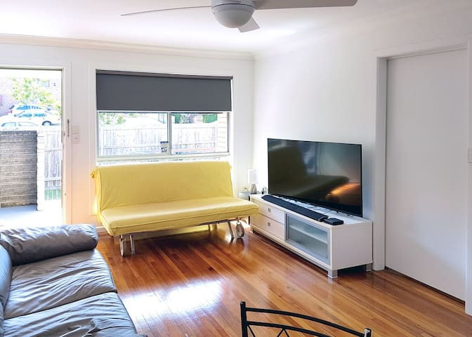 Netflix and chill apartment close to CBD - Annerley - Apartemen
