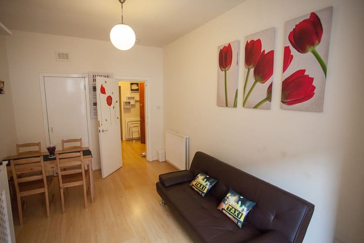 Scotstoun 1-Bedroom Apartment - Glasgow - Pis