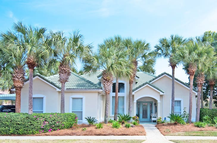 Precious Palms ~ Executive Style Home With Open Floor Plan - Book Now for an Anytime Vacation!!!