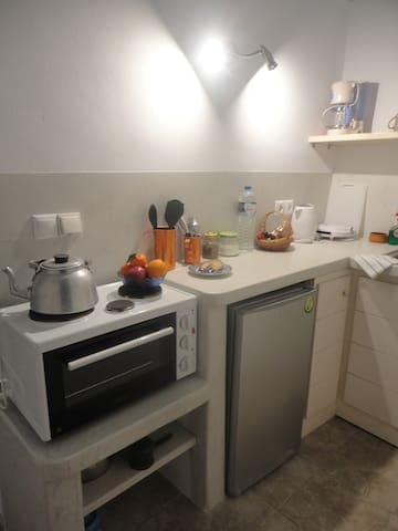 Calderimi. Renovated and cosy house for 2 people! - Fira - Huis