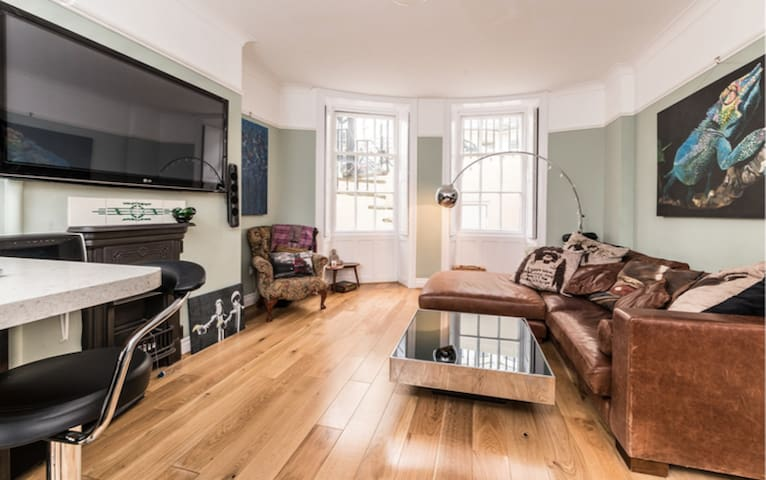 The Charming Seaside Garden Apartment - Brighton - Lejlighed