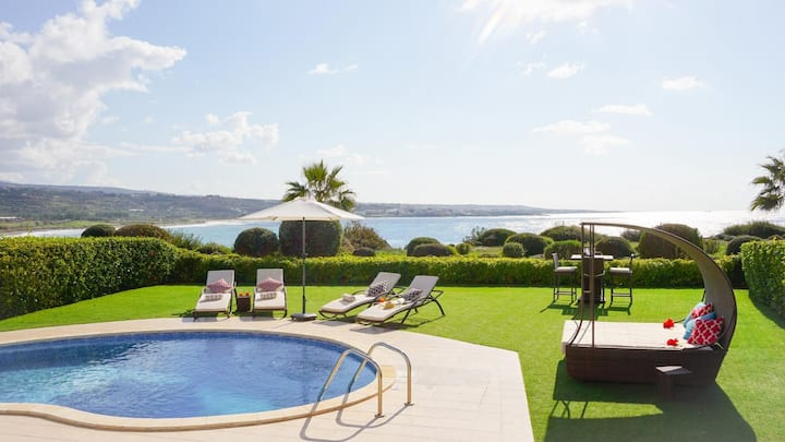 Sea Front Marina Sunrise (Coral Bay) - Modern and Luxurious Sea Front Villa with Panoramic Views of the Mediterranean, 5 mins walk to Coral Bay Strip